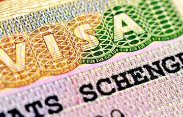 С 1 июля шенгенские визы стоят для белорусов €35, но границы пока на замке