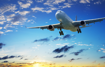 Сотрудник American Airlines попался на порче самолета перед вылетом