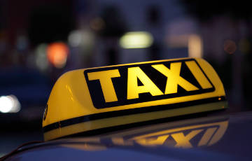 Таксі з Нацыянальнага аэрапорта да Менска падаражэе на 10 рублёў