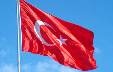 Турция смягчила локдаун для туристов