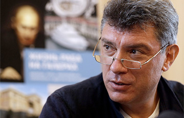 В Петербурге проходит марш памяти Бориса Немцова
