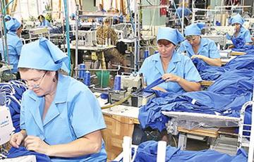 Рабочие бобруйской фабрики довели тараканьего агитатора до истерики