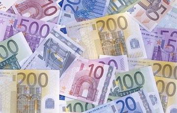У некоторых учителей в Литве зарплата увеличится сразу на €500