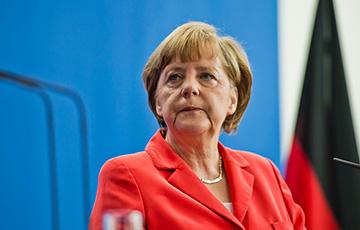 Меркель позвонила Путину