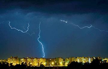 Грозы и ветер будут сотрясать Беларусь до конца недели