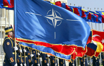 Financial Times: НАТО укрепляет позиции на Ближнем Востоке