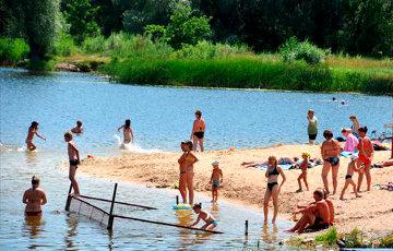 У Менску абмежавалі купанне на ўсіх пляжах, акрамя аднаго