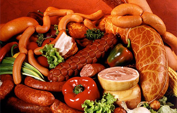 Медик назвал одинаковым вред от употребления колбасы и курения