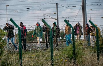 «Бродят по Экспобелу, утепляются»: минские рынки заполонили нелегальные мигранты