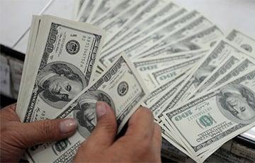 Доллар окреп на торгах в Минске