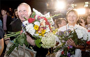 Political prisoner Mikalai Statkevich released