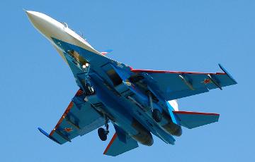 Александр Турчинов: Россия перебросила в Беларусь истребители Су-27 и боевые вертолеты