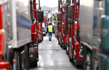 Транспортный коллапс на границе продолжается