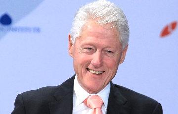 Билл Клинтон выпустил приключенческий роман о кибератаке на США