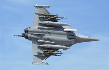 France launches new air strike in Syria against IS