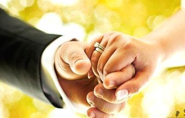 Ученые: Счастливый брак помогает увеличить продолжительность жизни