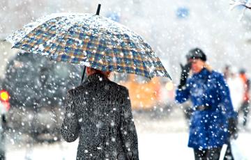 Северную и центральную Европа продолжают засыпать сильнейшие снегопады