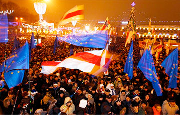 Andrei Sannikau: Belarus Without Lukashenka Is Awaited in Europe and in Russia