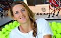 Видеофакт: Азаренко сыграла в теннис с юной болельщицей после победы над Бенчич