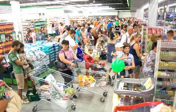 Лимит на шопинг: посылкой - 22 евро, чемоданом - 300