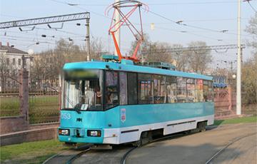 В Зеленом Луге из-за ДТП стояли трамваи