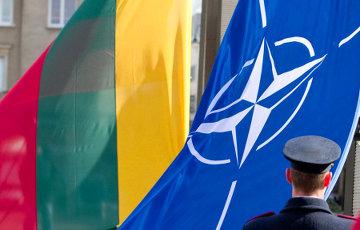 Президент Литвы назвал США гарантом сдерживания России в Балтии