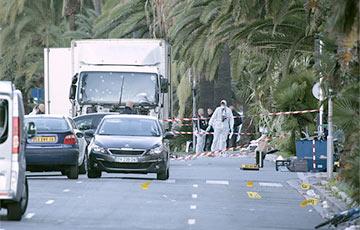 СМИ: Террорист из Ниццы работал в службе доставки и был нерелигиозным человеком