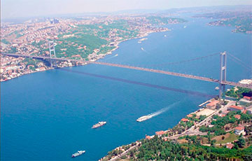 Два российских корабля попали в аварии в проливе Босфор