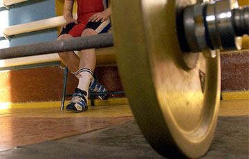 Сборная РФ по тяжелой атлетике отстранена от Олимпиады