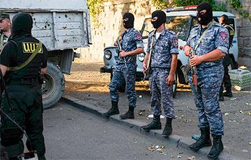 СМИ: На территории захваченного в Ереване полицейского участка слышны выстрелы