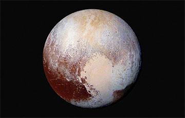 Тайна Плутона: может ли Земля остаться без Луны?