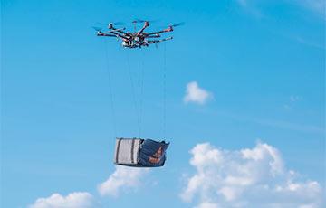 Видеофакт: Минская пиццерия отправила клиентам заказ на дроне