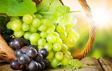 Диетологи назвали полезные свойства винограда