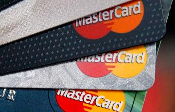 У Беларусі істотна павялічылі ліміт па бескантактавых картках без уводу ПІН-кода