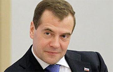 Политолог: Есть несколько причин, по которым Медведев унизил Лукашенко