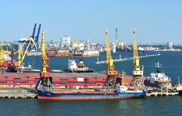 Беларусь начала поставки нефтепродуктов в российские порты