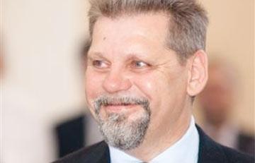На ИВЛ умер известный белорусский бизнесмен Валерий Шумский