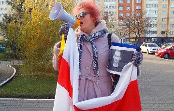 Оппозиционерка Николайчик: власть «боится» бело-красно-белого флага