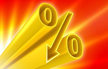 Проценты белорусов по валютным вкладам устремились к нулю