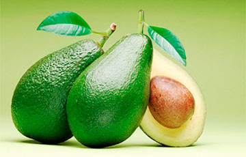 Диетологи рассказали, к чему приводит ежедневное употребление авокадо