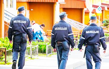 Милиция отобрала компьютер у участника акций протеста против Декрета №3 для поиска порно