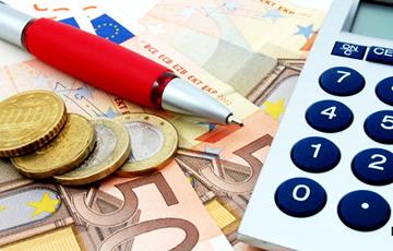 Сколько зарабатывают в странах-соседках Беларуси?