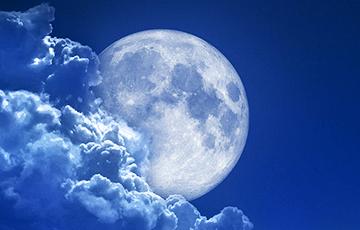 Ученые: Луна на самом деле падает на Землю