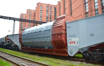 Дефектный генератор для БелАЭС «модернизируют» прямо на стройплощадке