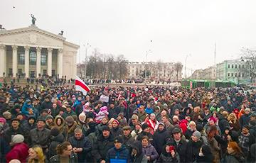Массовая акция в Гомеле: «Лукашенко уходи!» (Видео, онлайн)