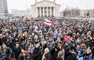 """Lukashenka, Resign On Good Terms!"": Belarusians Respond To ""Parasite"" Decree"