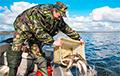 Ва Ушацкім раёне рыбак праваліўся пад лёд, але паспеў патэлефанаваць маці
