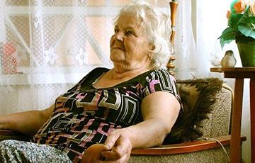 Благодаря независимым СМИ у 89-летней пенсионерки из Осиповичей заказали более 100 фирменных ковриков