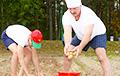 Лукашенко: Придется заниматься фермами и картошкой