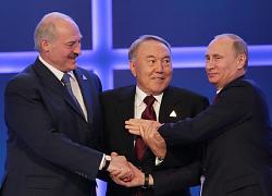 Путин делает ставку на союз диктаторов